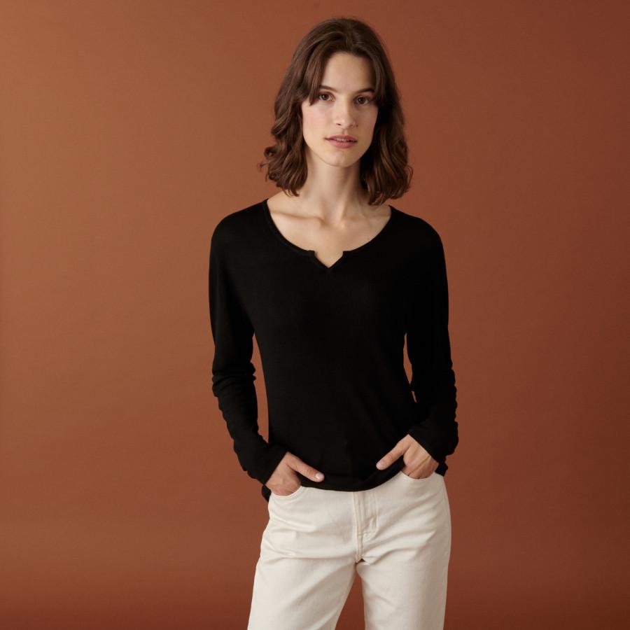 Fine knit bamboo cashmere tunisian neck t-shirt - Betty