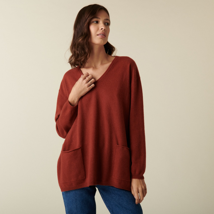V-neck cashmere sweater with side slits - Accacia