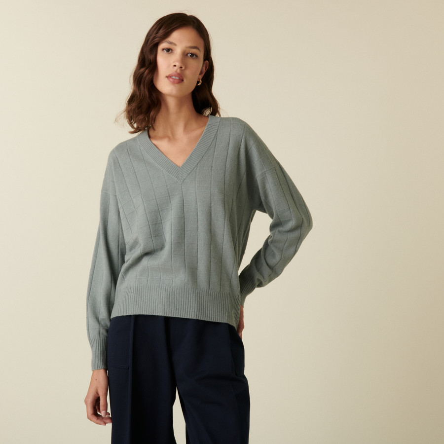 V-neck cashmere sweater in checkered knit - Canelle